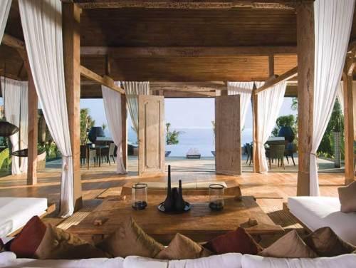 Khayangan Villa Bali_ckhayanganlivingroom12-adelto