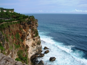 syadra.wordpress.com_bali-uluwatu-temple