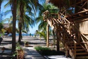La Cocotera_Barra de Santiago_El Salvador_la coco bungalow1.JPG