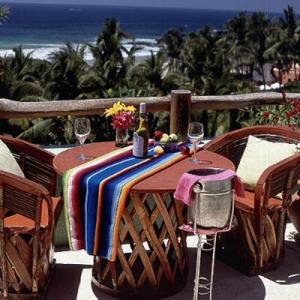 Las Alamandas_Costalegre_Manzanillo_MX_Shelley Metcalf_costa-allegre-table-l