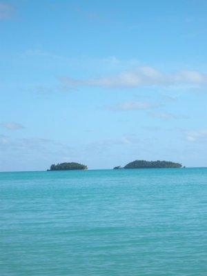 Pulau Macan_Jkt_2381748-The-islands-used-for-Shipwrecked-tiger-island-on-the-right--shark-island-on-the-left-0