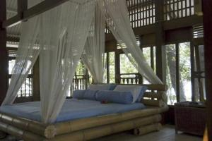 Pulau Macan_Jkt_3987766-bedroom_on_stilted_cabin-Pulau_Seribu