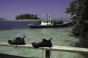 Pulau Macan_Jkt_3987768-view_from_the_sundeck_towards_the_deserted_island-Pulau_Seribu