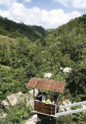 Ubud Hanging Gardens_Ubud_BALI_1600_3_private-funicular_fsa-g