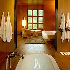 Amankora_BHUTAN_kora_pnk_suite_bath1_236