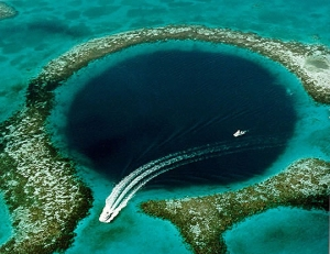 great-blue-hole-belize1