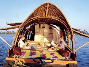 Kerala-INDIA-houseboat1