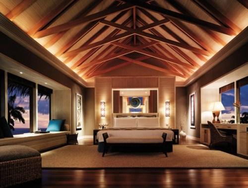 Shangri-La Villingili Resort & Spa_Maldives_shangri-la-water-villa-bedroom