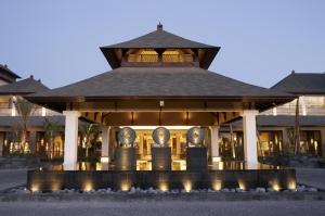 St-Regis-Bali-facade