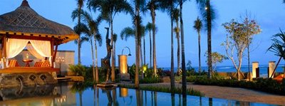 St Regis_BALI_St-Regis-Resort-and-Residence-Pool-Saung