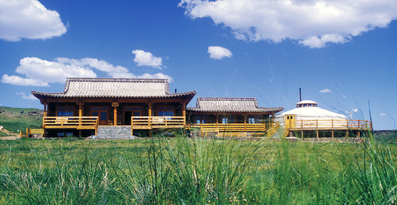 Three Camels Lodge-MONGOLIA-camp front