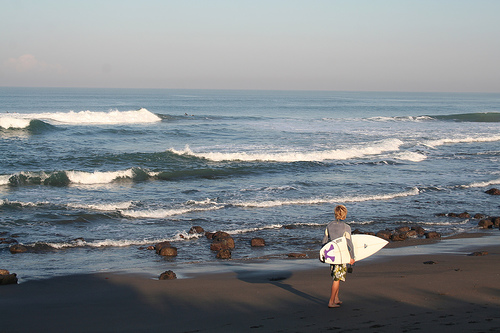 No surfer can resist the allure of surfing in Bali, The Isle of Paradise. Photo: www.getbalivillas.com