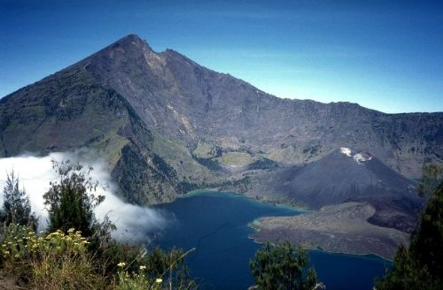 Mt. Rinjani, Lombok. View from the crater's ridge in the highlands. Photo: Pontoppidan