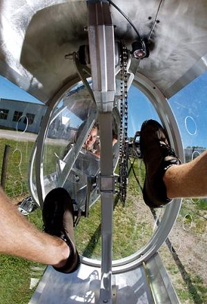 Schweeb monorail 3