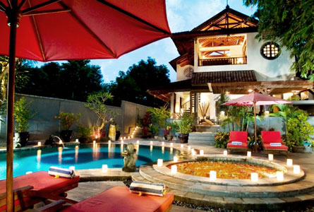 The Seri Suites-Umalas-BALI-night-view-pool-area